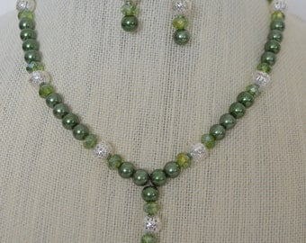 Silver and Green! Necklace and earrings