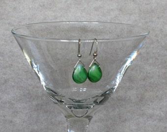Green Teardrop Shaped Glass Bead Earrng