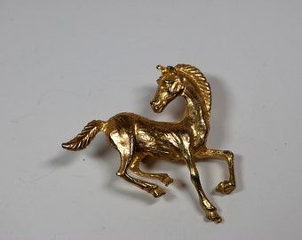 Vintage Goldtone Horse Pin Brooch Animal Pin Brooch Textured Goldtone - Equestrian Jewelry