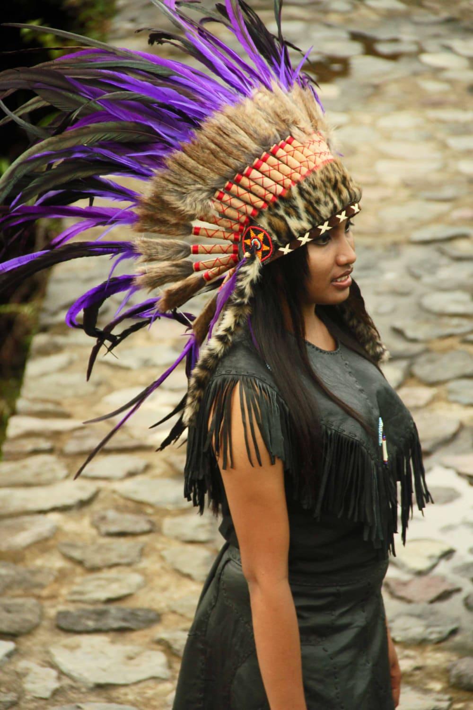 Un nativo americano reivindica el derecho a llevar una