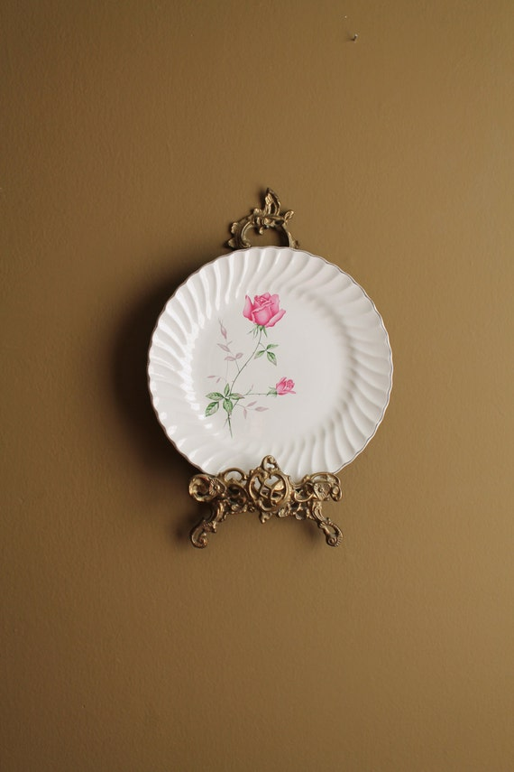 Shabby chic plates plate wall decor pink roses by oldworldcharmme - Decor wall plates ...