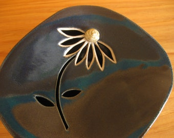 Golden Coneflower (two-piece stoneware soap dish)