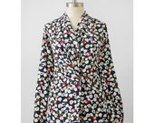 80s Secretary Blouse / 1980s Graphic Floral Print Wrap Blouse / Scarf Collar Double Breasted / Black White Floral Blouse