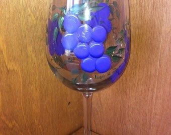 Hand Painted Wine Glasses - Glorious Grapes