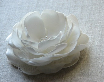 Ivory hair flower Bridal hair flower Ivory hair clip Bridal flower 3 inch hair flower 3.5 inch ivory flower Ivory headpiece ivory hair piece