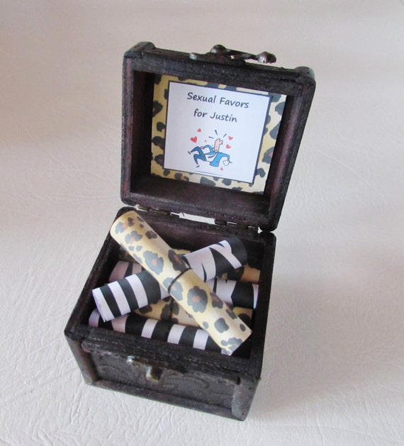 Christmas Gift Idea, Boyfriend Christmas, Husband Christmas, Coupon Book, Sexy Coupons, Sexual Favors in Wood Chest, Sexual Favor Scroll Box