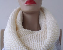 EXPRESS CARGO Cream Knit infinity Scarves, Chunky Scarf,Circle Scarf,Knit Scarf, Gifts For Christmas, Gifts Ideas /// FORMALHOUSE
