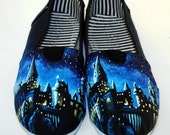 Harry Potter Hogwarts Painted Canvas Sneakers (Medium)