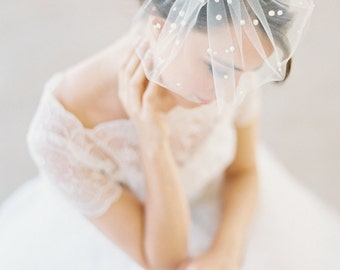 Mini birdcage veil with pearls, polka dot pearls, small bridal veil, mini wedding veil Style 627