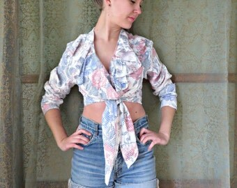 ON SALE 1990s Gingham Floral Ruffle Blouse Tie Front Crop Top 90s Floral Shirt Pale Grunge Ruffle Top Romantic Ruffle Top 90s Hipster Blouse