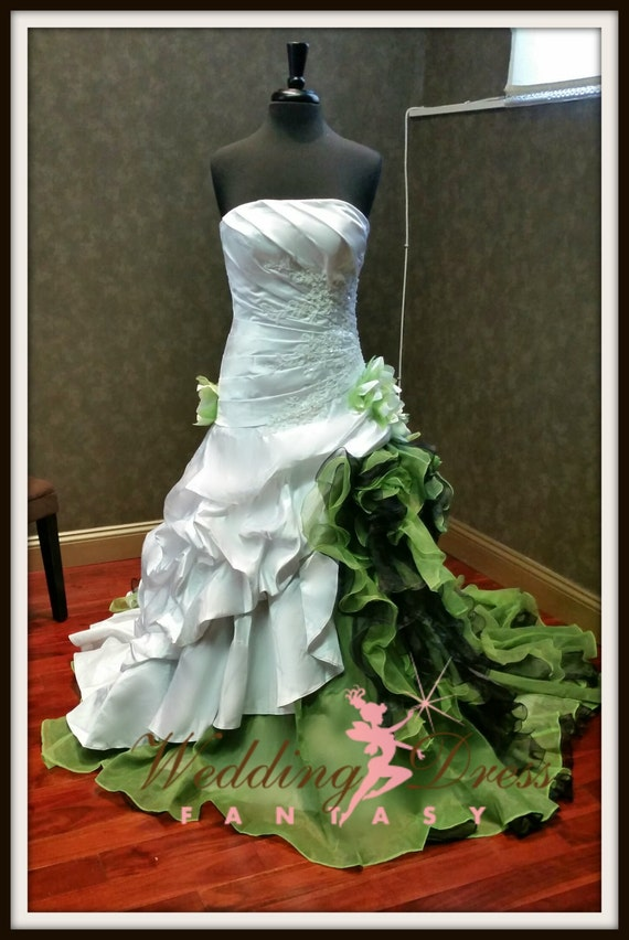 Dip dye white and green wedding dress by weddingdressfantasy for Dyeing a wedding dress professionally