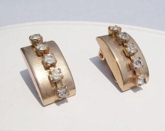 Vintage Rhinestone Earrings, Gold Clip On Earrings, White Rhinestone, 1950s, Mid Century Earrings, Retro Earrings, Vintage Bridal Earrings
