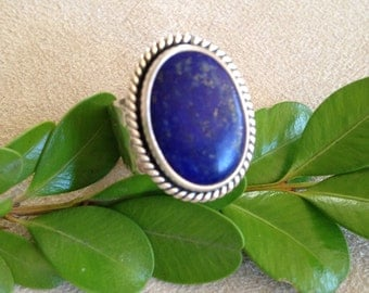 Lovely Lapis Lasuli Oval Cabachon in Rope Twist Setting on Square Ring