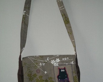 Pouch, with flap, bag satchel, suede and linen.