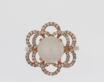 925  Vermeil Moonstone / White Topaz Ring .