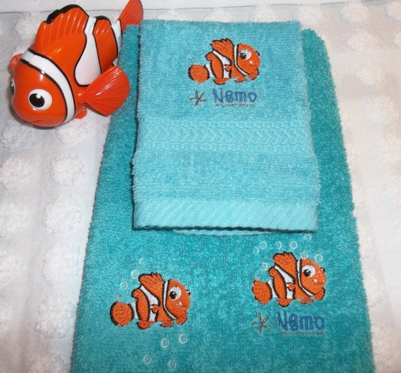 nemo towel finding nemo embroidered teal turquoise aqua 2. Black Bedroom Furniture Sets. Home Design Ideas