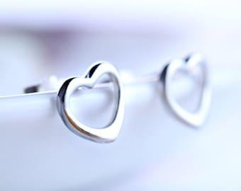 Sterling Silver Open Heart stud earrings, minimalist earrings, small and simple silver earrings, Everyday Earrings, JEW004010