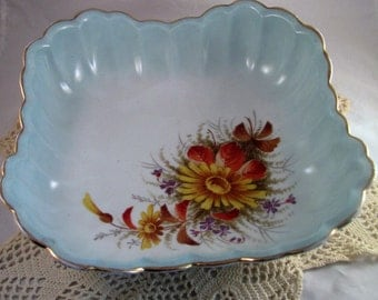 Vintage Fruit Bowl Set- 1 serving bowl and 6 individual bowls