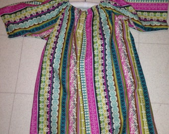 Gown size 2-3T