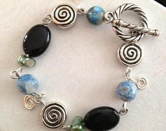 Bracelet Blue Faceted Fire Agates & Black Onyx Gemstones