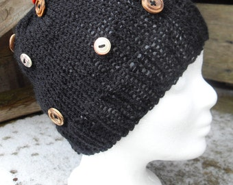 Knitted hat with buttons * Beanie