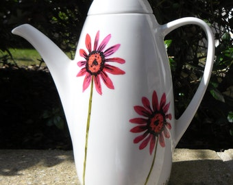 Coffee Maker Red daisies