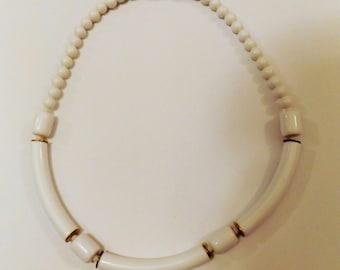 Vintage 90s Summer White Necklace