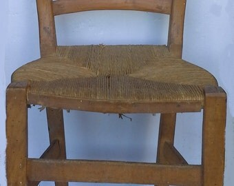 Vintage Italian chair in wood and wicker