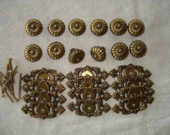 Lot of 12 vintage brass furniture/cabinet/drawer knobs and backplates