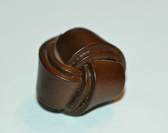 """1 1/4"""" Brown Leather Big Knot Button. (32mm)"""