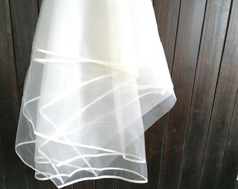 Ivory Bridal Veil with Satin Edge