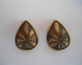Vintage Earrings, 80s earrings, clip on earrings.