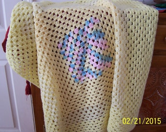 """Vintage Baby Afghan 36"""" x 36"""" Three Shades of Yellow with Multicolor, Varigated Center (Blue, Pink, Yellow, White)"""