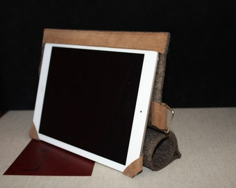 Case customized for iPad or tablets made by hand - Brown felt - faced camel