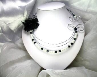 Collier Fil d'aluminium Floralie noir et blanc
