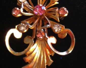 Vintage Gold Flower Pin/brooch with pink & white rhinestones