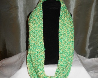 Lovely Green/Yellow Cowl