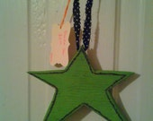 Country Primitive Wood Green Star