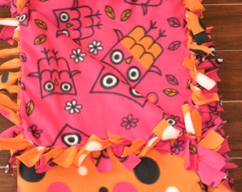 Cozy Owl Fleece Blanket - Magenta Owls on Polka Dots