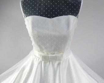 Swiss Dot Tulle Sweetheart Dress Rockabilly Vintage Style bridal wedding dress