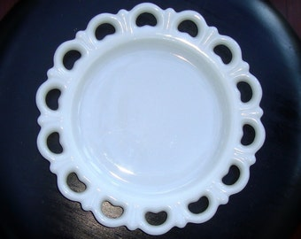 Vintage Milk Glass Luncheon Plate with Scallop Lace Edging, Milk Glass Salad Plate
