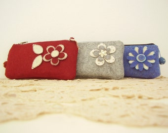 felt pouch with zip