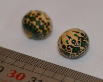 2 painted wooden beads