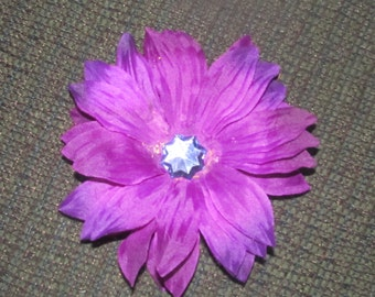 purple bloom on partially lined clip