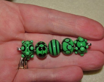 Grass green and Black - ready to ship handmade lampwork beads by K. Urato, SRA, LEteam