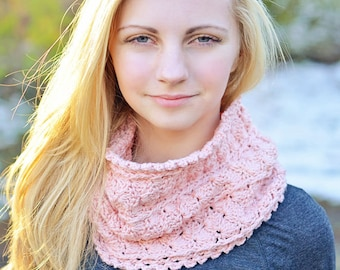 Aphrodite Cowl Crochet Pattern - Beautiful Worsted Weight