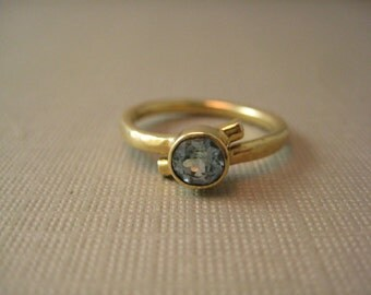 18kt yellow gold Blue Topaz and Diamond hammered ring size 5.75