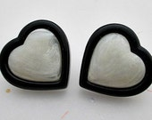Modern Heart Vintage Stud Earrings / 1989 Avon Jewelry
