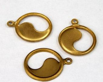 13mm Brass Yin Yang Charm (6 Pcs) #1150