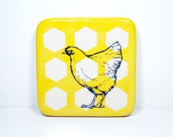 tile with a chicken/hen on yellow with white hexagons, made to order / pick your colour